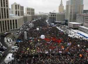 Moscow-protest-draws-tens-of-thousands